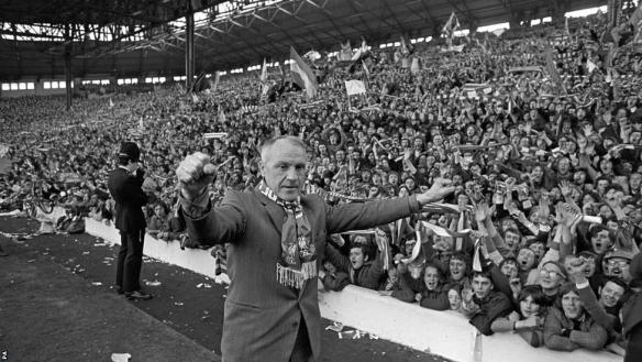 Bill Shankly ... standard pose, Kop view