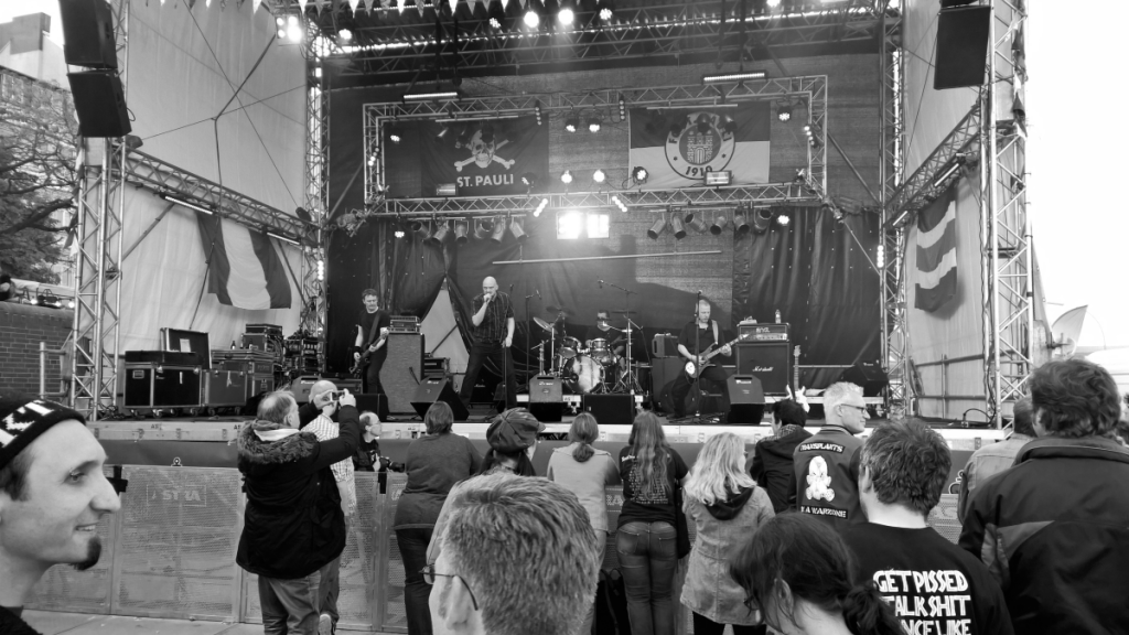Platzangst (Hafengeburtstag, Jolly Roger Bühne 08.05.2015 (c) gehkacken.de)