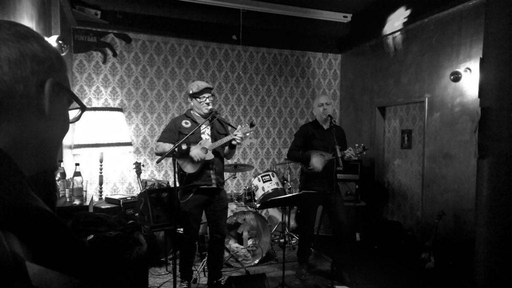 Ukes of Tomorrow (Pony Bar, Hamburg 30.04.2016 (c) gehkacken.de)