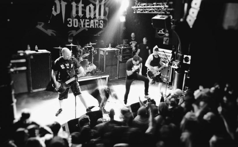 … 30 years sweat aged hardcore beef: Sick Of It All don't boot their fans off the stage (they butt them off)!
