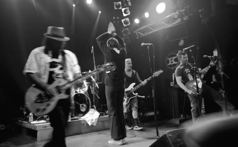 … giant mutant babies and an almost perfect sing-a-long show: The Dickies, yet again!
