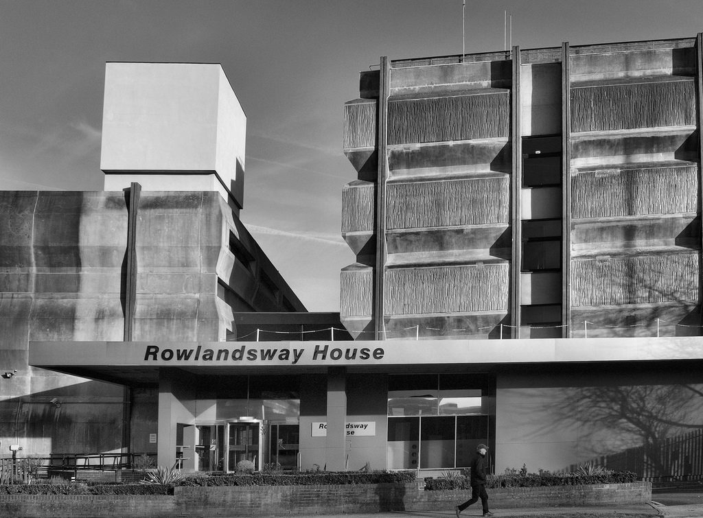 Rowlandsway House - Office brutalist style (or in defense of the hoodlums)