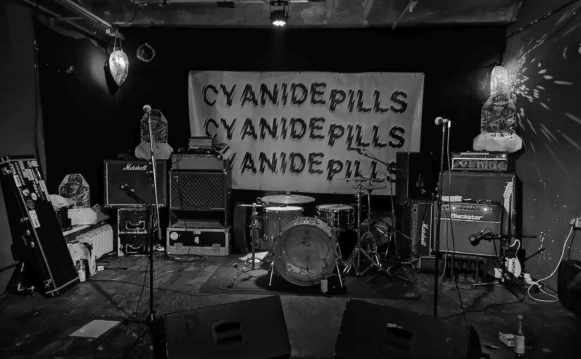 …  a neat entry into a joyfull power pop weekend: Litterbug and Cyanide Pills upstairs!